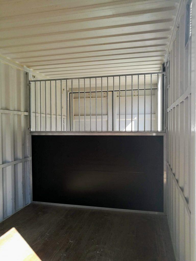 Paardenbox binnenkant